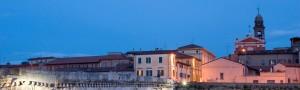 Visita il centro storico di Rimini e soggiorna in residence sul mare