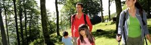Porta i bimbi in montagna, con l'offerta per famiglie dell'Hotel Des Alpes