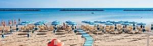Accomodati in hotel 3 stelle a Cesenatico, Hotel Roxy & Beach ti aspetta direttamente sul mare